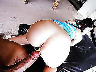 Girl gets house party quickie with a dude with a monstrous cock